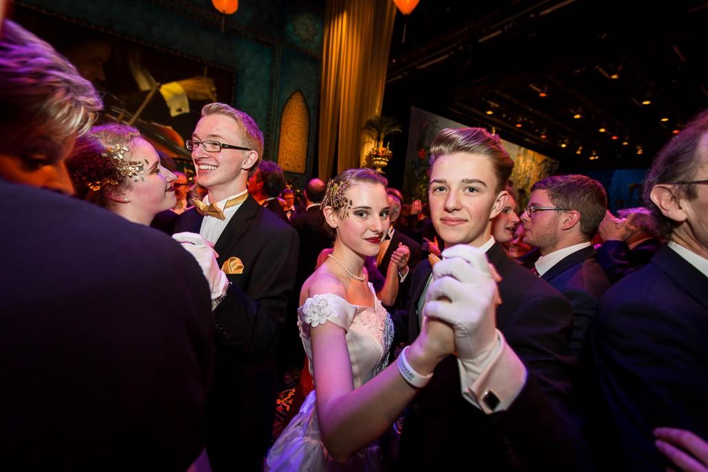 Tradition verpflichtet Lennard Bothe und Vanessa Junk als Debuetanten